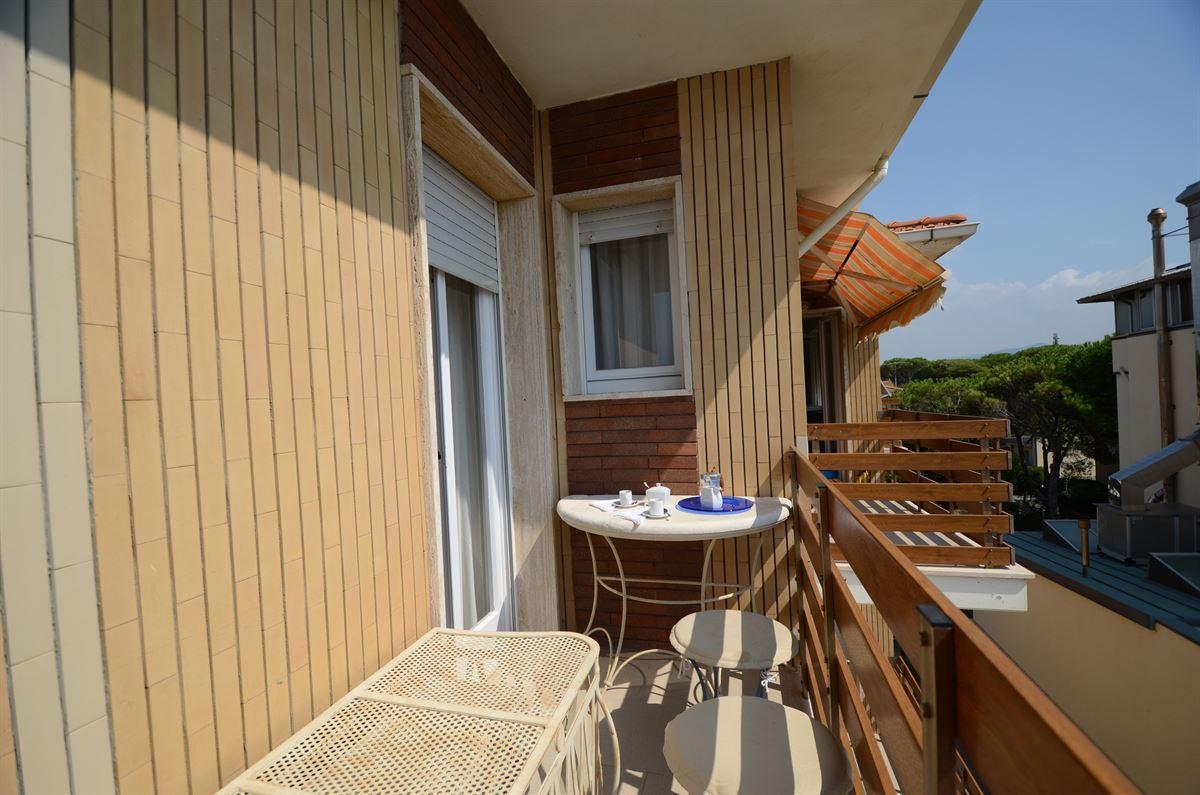 Tuscany Villa Nautilus - Bella Vista - Rental in Marina di ...